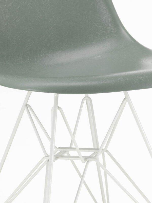 2861583_Eames Fiberglass Side Chair DSR_v_fullbleed_1440x