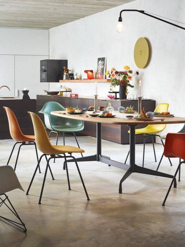 2936427_Eames Segmented Tables Dining Eames Fiberglass Chairs Eames Plastic Armchair Eames Plastic Armchair LAR_v_fullbleed_1440x