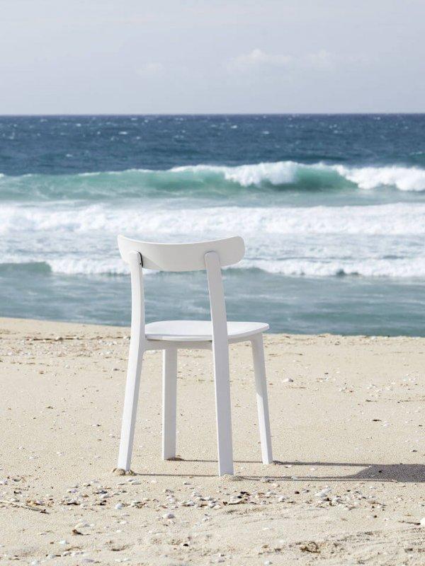 3346927_APC (All Plastic Chair)_v_fullbleed_1440x