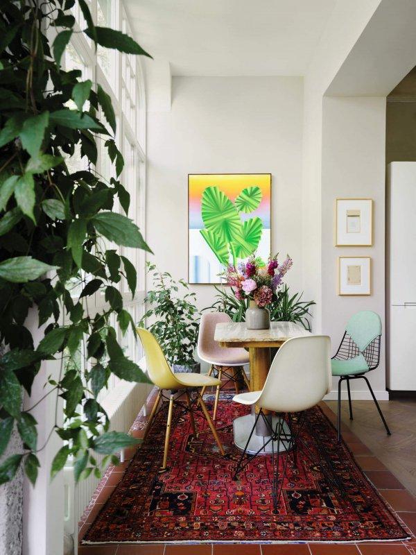 3896118_Eames Wire Chair DKX Eames Fiberglass Chair DSR Eames Fiberglass Chair DSX Eames Plastic Chair DSW_v_fullbleed_1440x