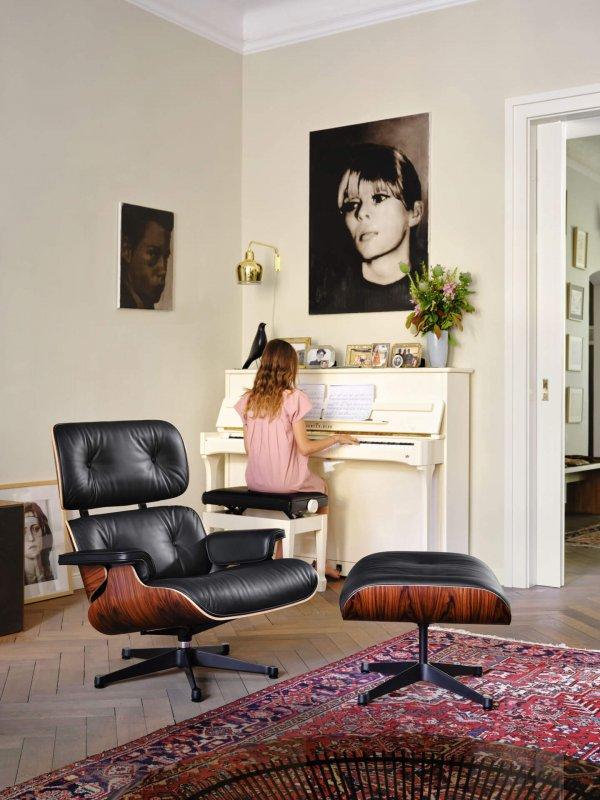 3896119_Lounge Chair_v_fullbleed_1440x