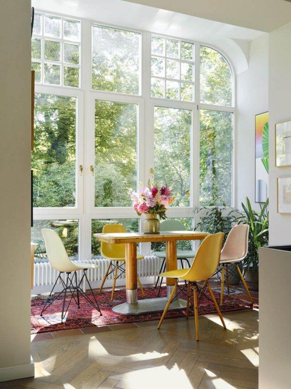 3957886_Eames Wire Chair DKX Eames Fiberglass Chair DSX Eames Fiberglass Chair DSR Eames Plastic Chair DSW_v_fullbleed_1440x